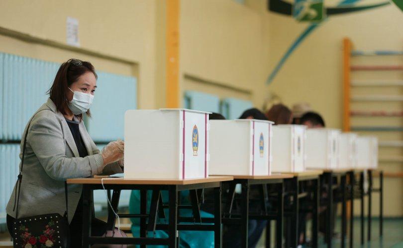 Орон нутгийн сонгуулийн санал хураалт эхэллээ