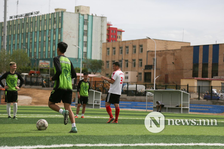 хөлбөмбөгийн талбайн нээлт (11)