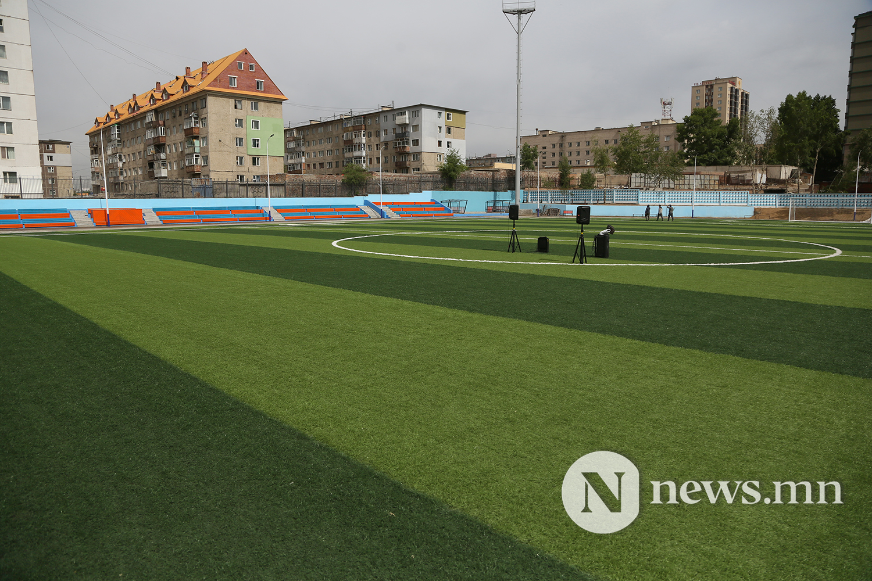 хөлбөмбөгийн талбайн нээлт (17)