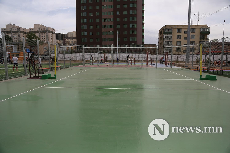 хөлбөмбөгийн талбайн нээлт (2)