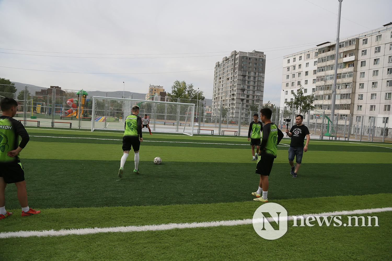 хөлбөмбөгийн талбайн нээлт (22)
