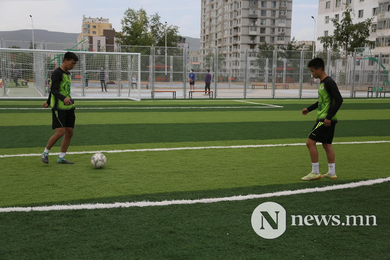 хөлбөмбөгийн талбайн нээлт (6)