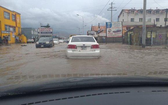 Зам усанд автаж, автомашины түгжрэл ихэсчээ