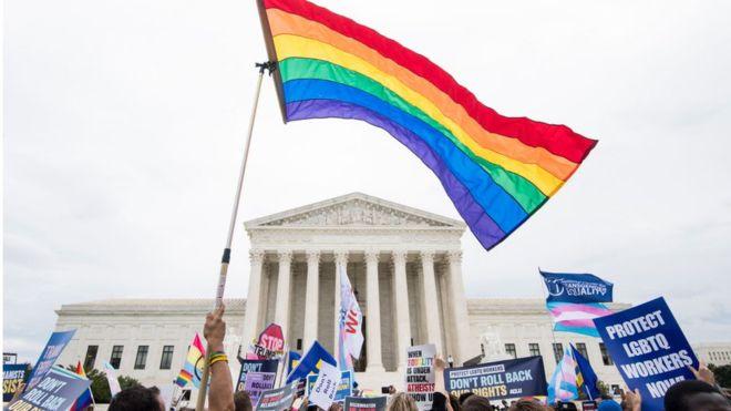 АНУ-ын Дээд шүүх ЛБГТИК+ ажилчдын эрхийг хамгаалах шийдвэр гаргалаа