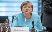 Меркель Хятадтай хийх чуулга уулзалтыг хойшлуулав