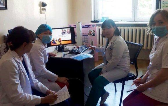 Дүүргийн эмч, сувилагч нар тархины харвалт, шигдээсийн чиглэлээр сурч байна