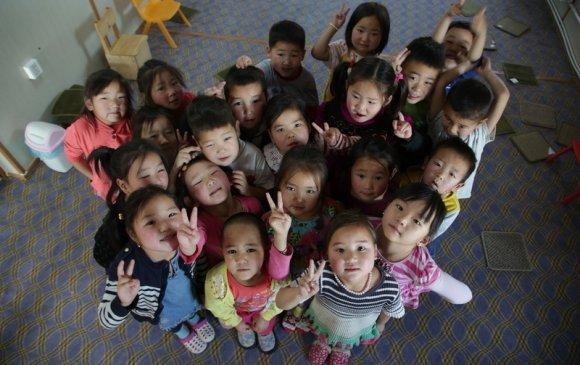 Монгол Улс хэдэн охин, хэдэн хүүтэй вэ?