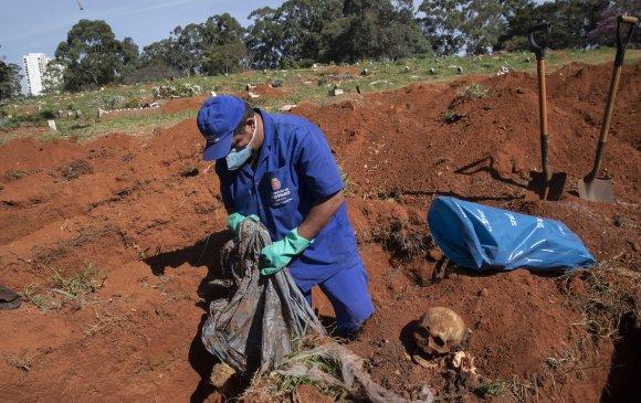 Бразильд нас барагсдаа оршуулах газар олдохгүй байна