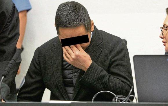 Хар тамхи зөөвөрлөсөн Монгол дипломатчийг 11 жил хорино