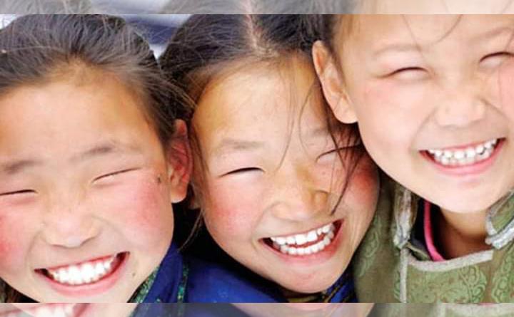 Хүүхэд бүр гэр бүлдээ жаргалтай