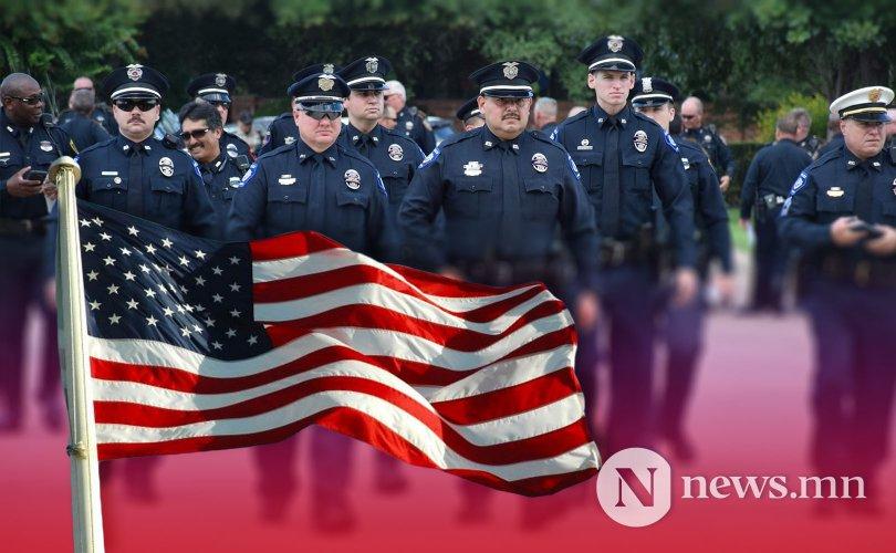 АНУ-ын цагдаа нар хүний эрхийг илүүтэй зөрчдөг үү?