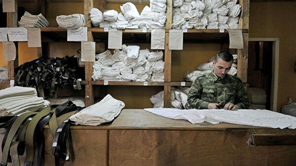 Орос цэргүүд оймс өмсдөггүй байсан нь америк нийтлэлчийг гайхашруулжээ