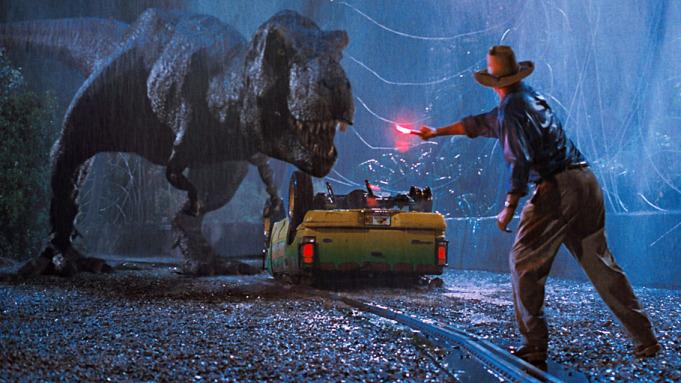 Jurassic Park 27 жилийн дараа бокс оффисыг дахин тэргүүлэв