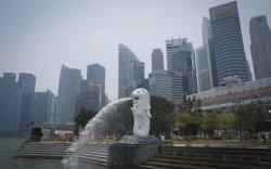 Сингапур Хонгконгийн байр суурийг эзлэх үү?