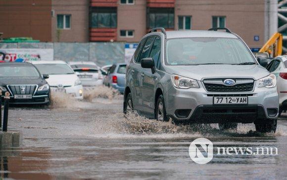 Явган зорчигч руу тогтоол ус санаатайгаар цацсан жолоочийг торгоно
