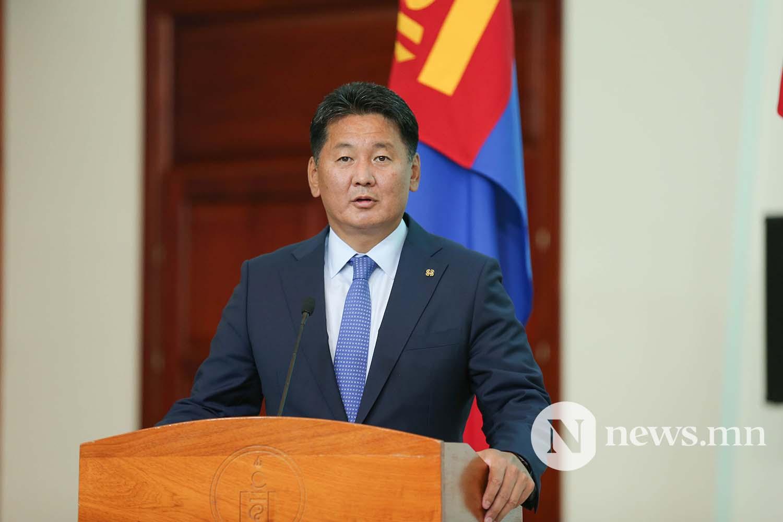 Засгийн газрын сайдууд захирамжаа гардан авлаа (25)