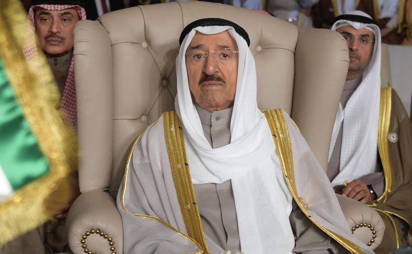 Кувейтийн 91 настай эмир АНУ-д сувилуулахаар явжээ