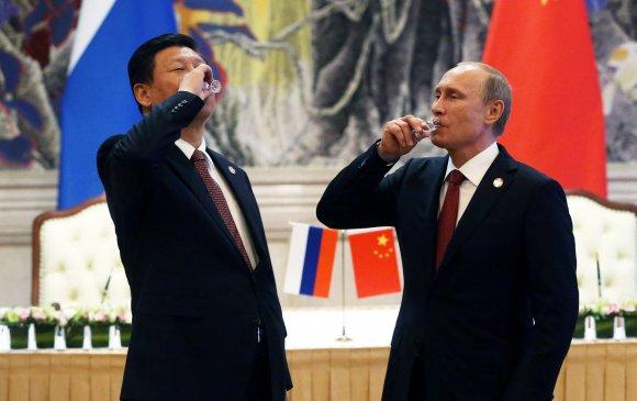 Трампын ялагдлыг ашиглахаар Ши, Путин хоёр тэсч ядаж байна