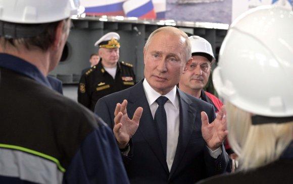Путин Крымын хойгт байлдааны хөлгийн үйлдвэрлэлтэй танилцав