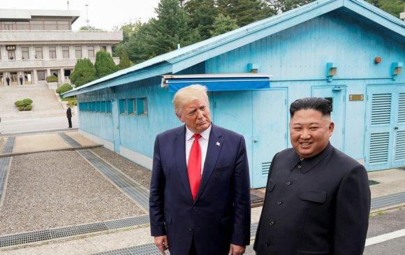 БНАСАУ: Трампыг сайхан харагдуулах гэж хичээхээс цаашгүй АНУ-тай харьцахгүй