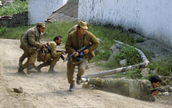 Азербайжан: Армений хил дээр гурван цэрэг амь үрэгджээ