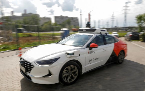 Анхны автомат жолоодлоготой такси 2024 онд Москвад үйлчилгээнд гарна