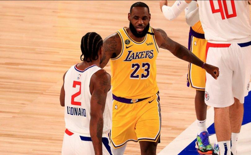 Леброн Жэймсийн хожлын шидэлт NBA эргэн ирснийг зарлалаа