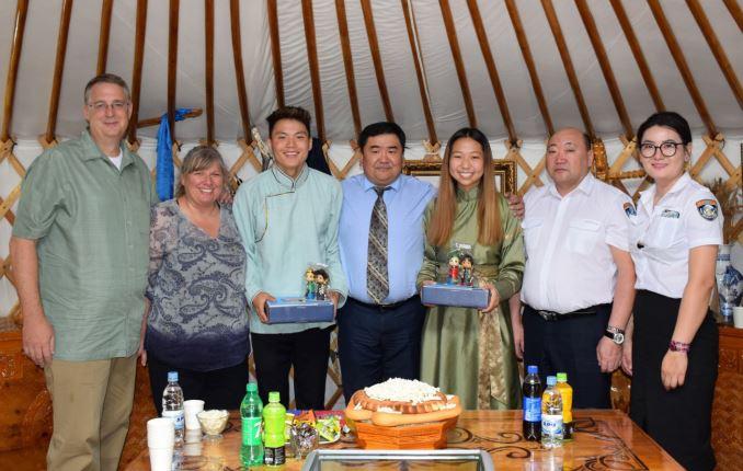 Монгол Улсын харьяат нэг хүүхдийг гадаадын гэр бүлд үрчлүүлжээ