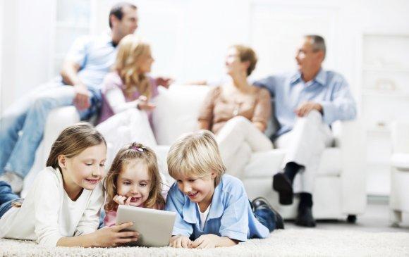 Covid-19: Гэртээ байгаа хүмүүс халдвар авах өндөр эрсдэлтэй