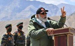 Нарендра Моди Хятадын хилд гэнэтийн айлчлал хийжээ