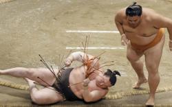 Хакүхо унаж, Тэрүнофүжи Ган-Эрдэнэ башёг тэргүүлж эхэллээ