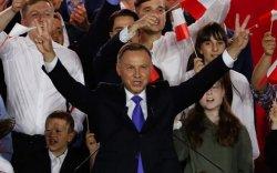 Польшийн Ерөнхийлөгч утсаар тоглосон орос эрд итгэж бүхнээ ярьжээ