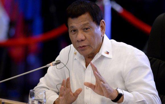 Филиппиний Ерөнхийлөгч амны хаалтыг шатахуунаар ариутгахыг зөвлөв