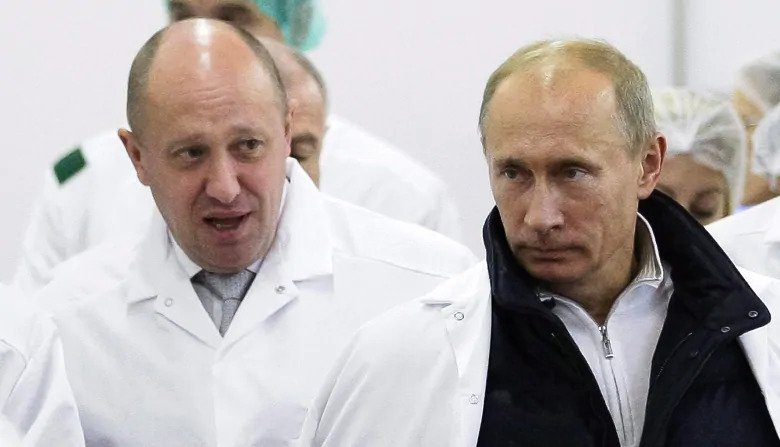 Трамп Оросын компаниудын эсрэг хориг тавилаа