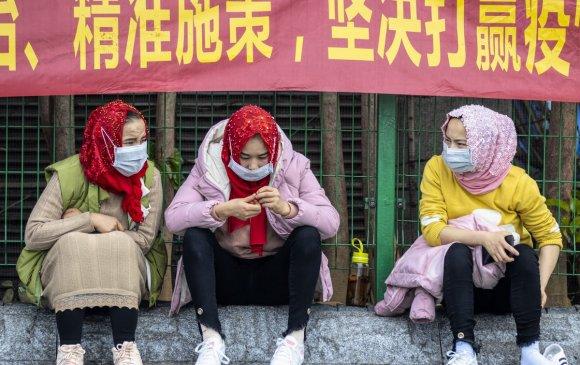 Шинжаан-Уйгурын нийслэл Өрөмч хотыг хааж, хөл хорьжээ