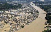 Японд үерийн гамшиг нүүрлэж, олон хүн амиа алджээ