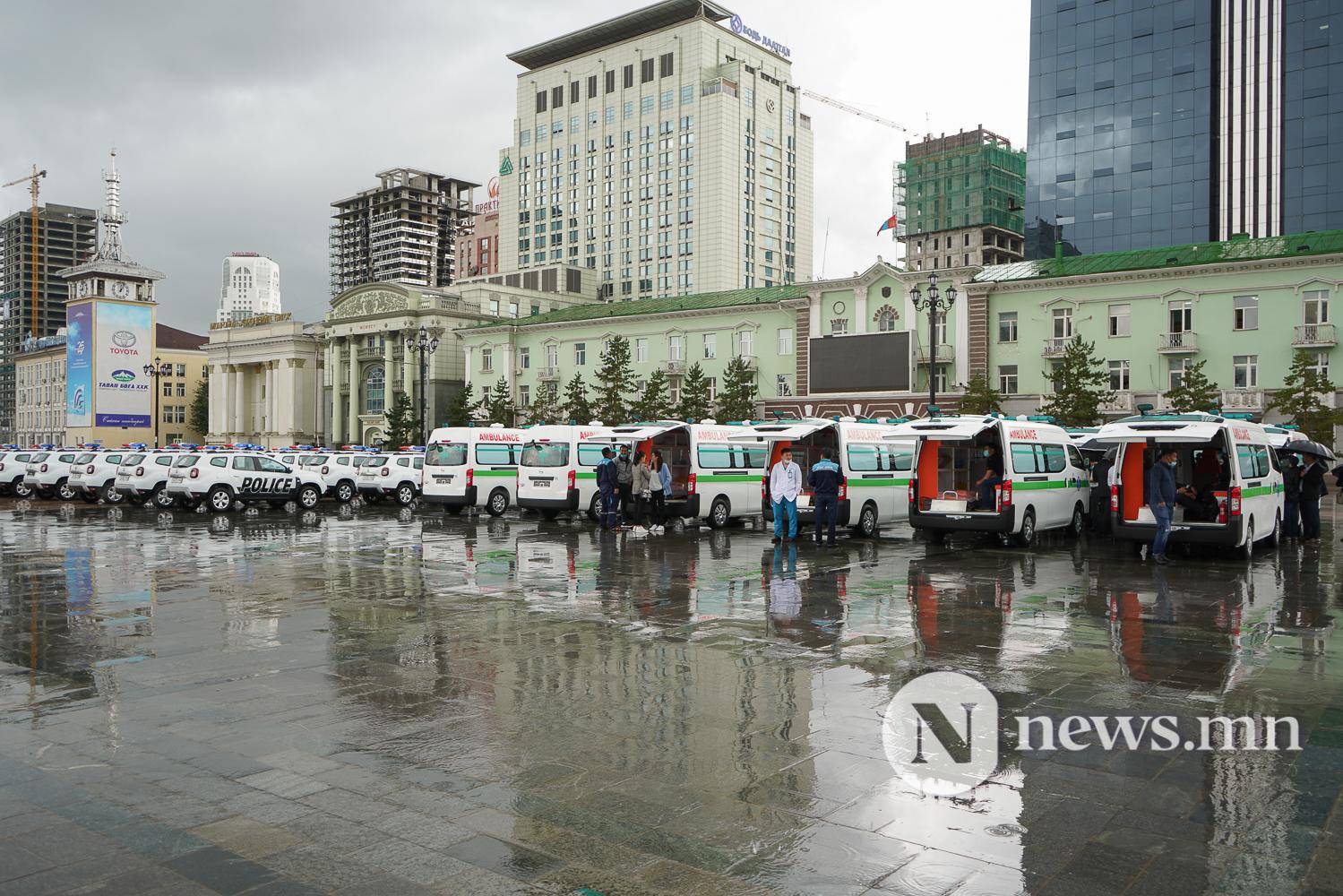 Нийслэлийн эрүүл мэнд, цагдаагийн байгууллагад 92 автомашин гардуулж байна (28 of 45)