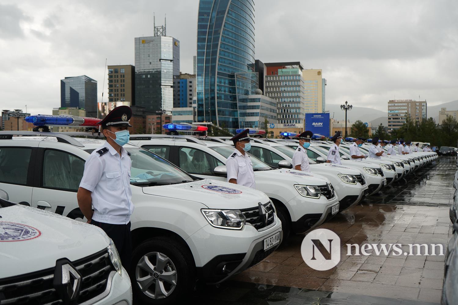 Нийслэлийн эрүүл мэнд, цагдаагийн байгууллагад 92 автомашин гардуулж байна (31 of 45)