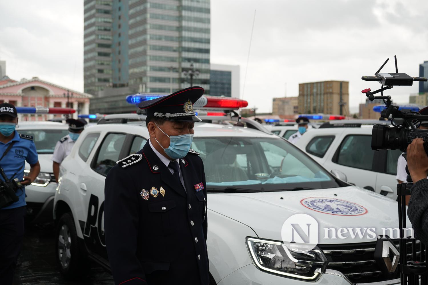 Нийслэлийн эрүүл мэнд, цагдаагийн байгууллагад 92 автомашин гардуулж байна (33 of 45)