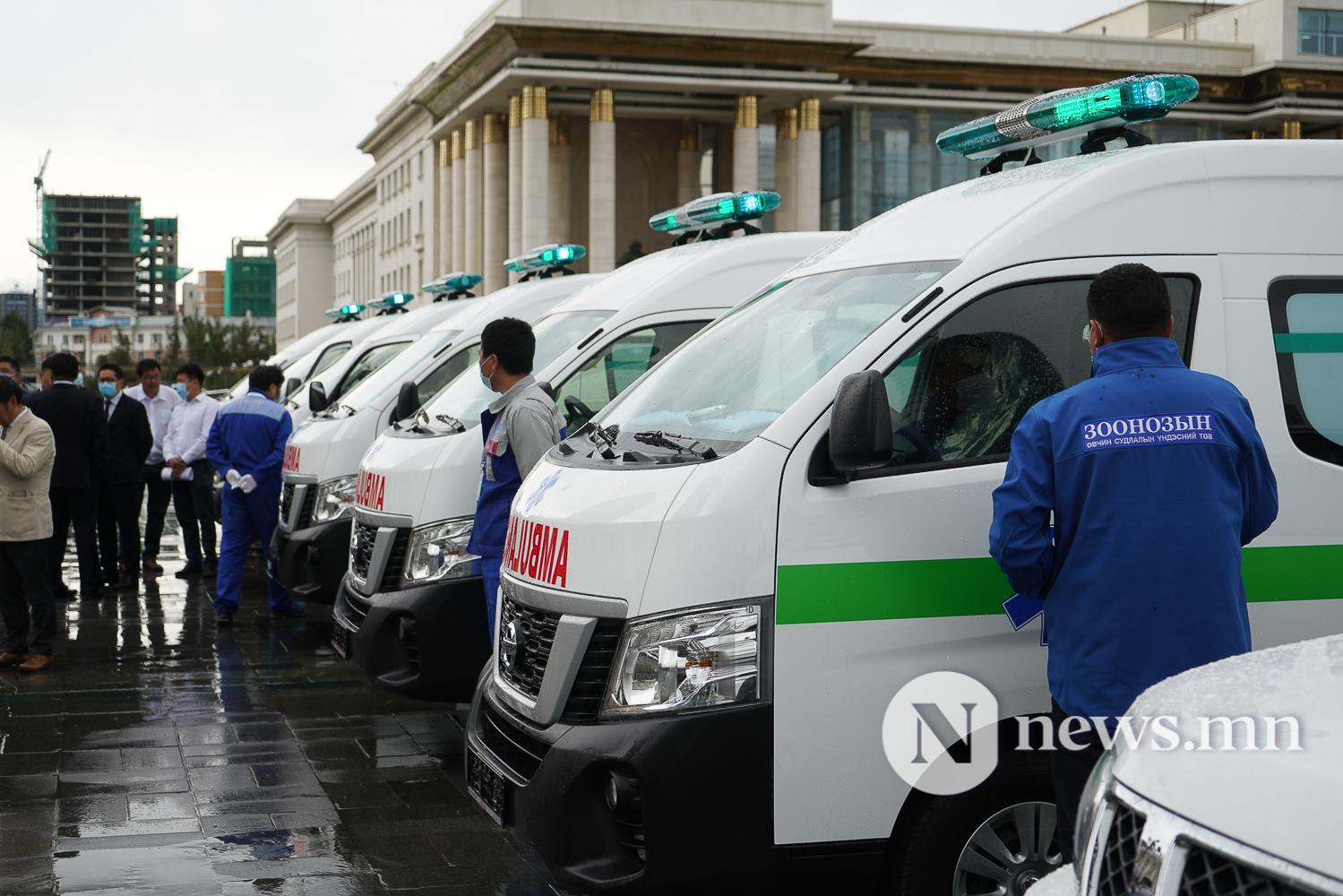 Нийслэлийн эрүүл мэнд, цагдаагийн байгууллагад 92 автомашин гардуулж байна (34 of 45)