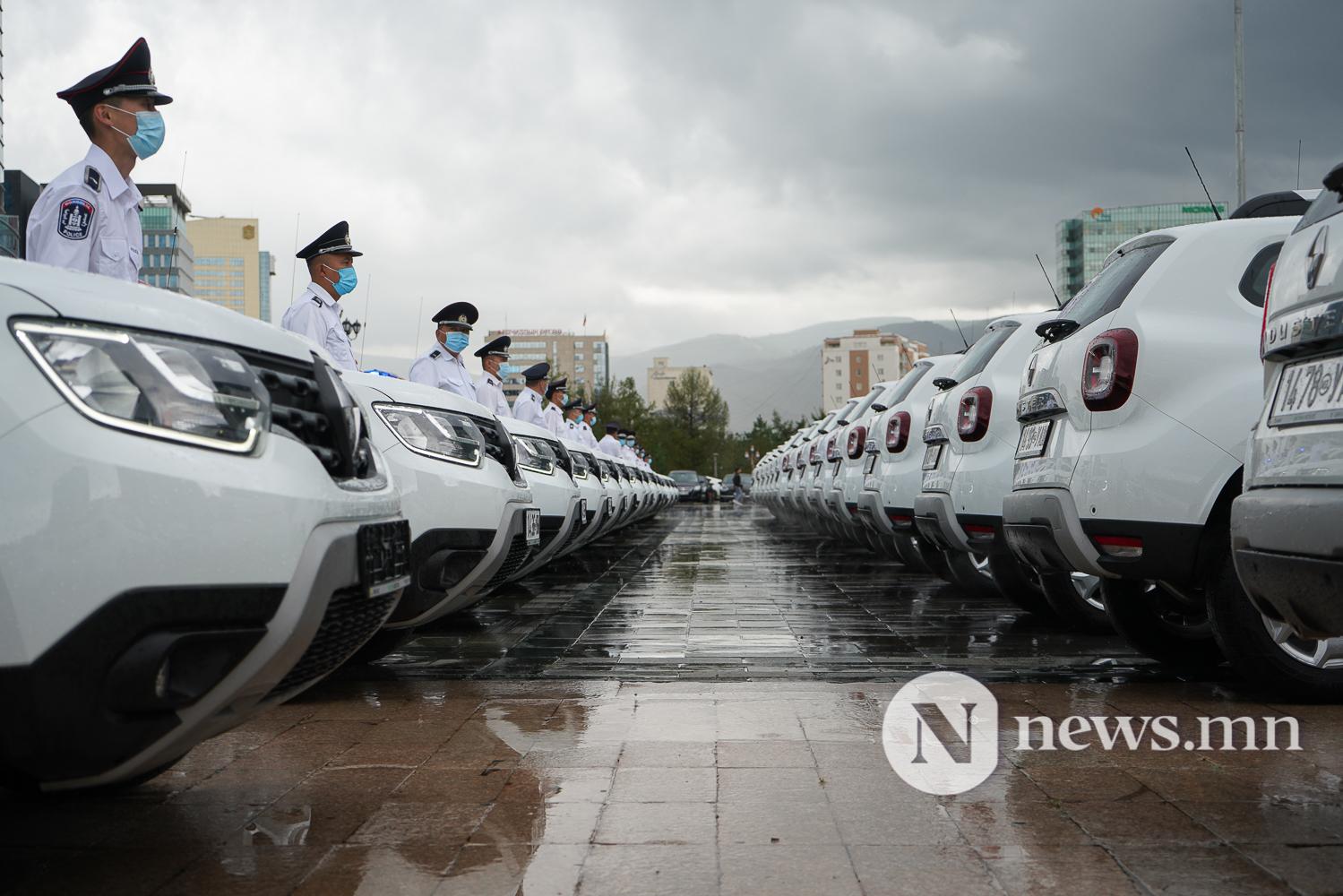 Нийслэлийн эрүүл мэнд, цагдаагийн байгууллагад 92 автомашин гардуулж байна (39 of 45)