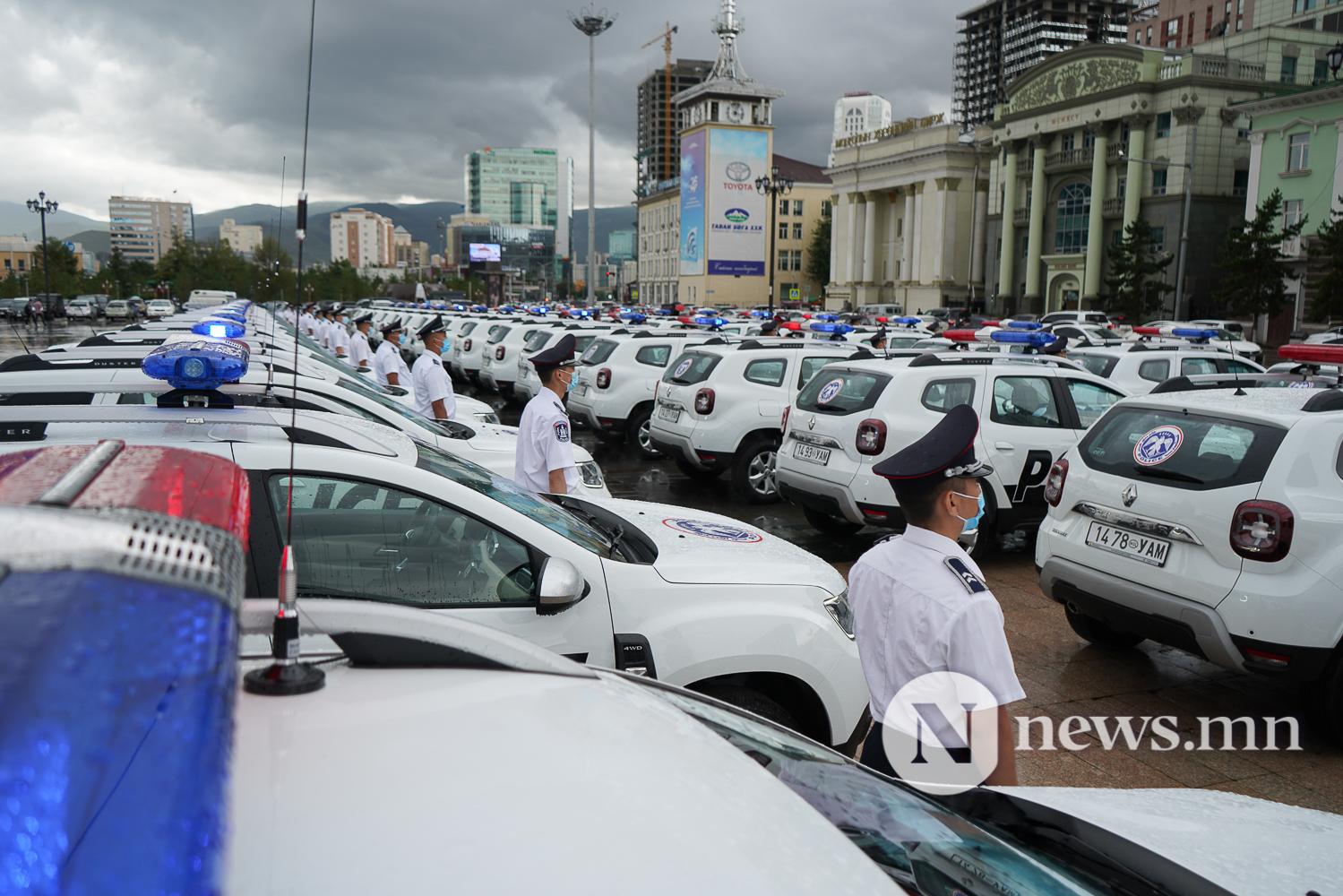 Нийслэлийн эрүүл мэнд, цагдаагийн байгууллагад 92 автомашин гардуулж байна (45 of 45)