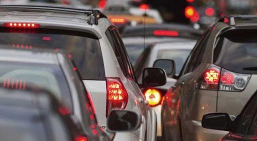 Дүрмээ баримталдаггүй жолооч нар түгжрэл үүсгэж байна