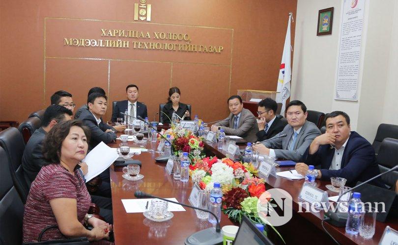 Иргэд төрийн үйлчилгээг E-Mongolia цахим платформоор авдаг болно
