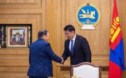 Ерөнхий сайд У.Хүрэлсүх гавьяат хуульч Н.Жанцанд хүндэтгэл үзүүлэв