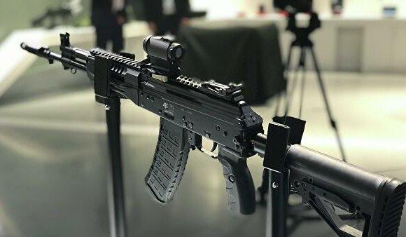 ОХУ шинээр үйлдвэрлэсэн АК-12 автоматаа экспортолж эхэллээ