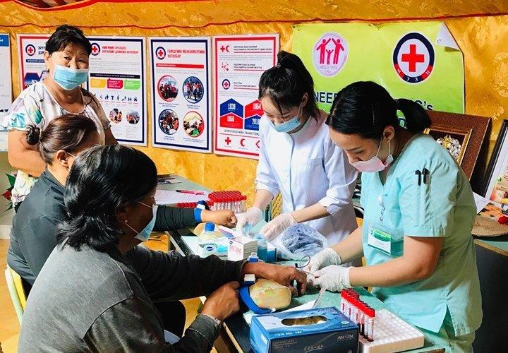 Явуулын эмнэлэг Чингэлтэй дүүрэгт үзлэг шинжилгээ хийлээ