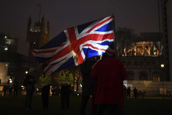 Их Британийн эдийн засаг уналтад орсныг зарлалаа