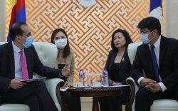 Дэлхийн банкны Монгол дахь суурин төлөөлөгч Андрей Михневийг хүлээн авч уулзлаа