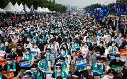 Өмнөд Солонгосын эмч нар бүрэн хэмжээний ажил хаялт зарлалаа